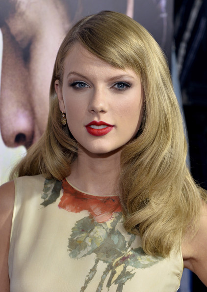 taylor swift�s new side swept bangs