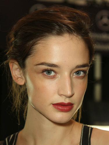 2014 Spring and Summer Makeup Trends - Bold Lips